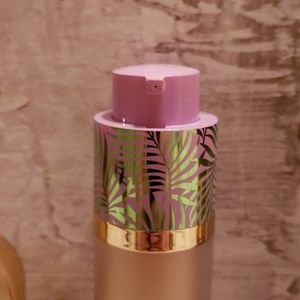 tarte Makeup - Tarte found foundcealer foundation and brush